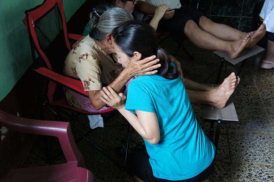 Mobile Clinic Flora prayer acupuncture_S.jpg