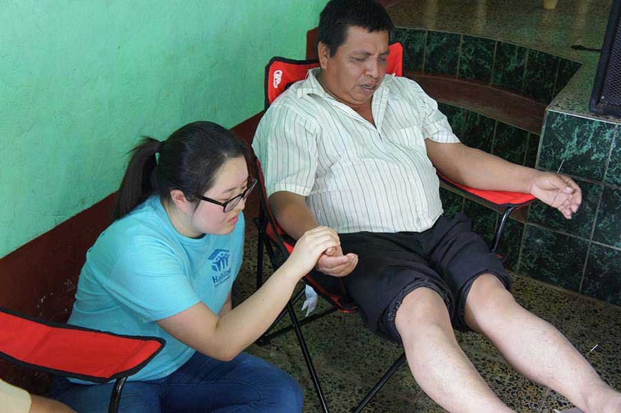 Mobile Clinic Suzie pray acupuncture_S.jpg